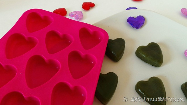 Be My Green Heart Valentines Day Dog Treats Ice Cube Tray IrresistiblePets.com