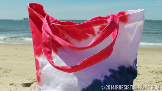DIY Tie Dye Beach Bag by IrresistiblePets.com