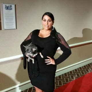 Aimee-and-Chuy-BlogPaws-Red-Carpet_thumb.jpg