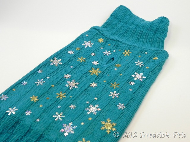 DIY Winter Wonderland Dog Sweater via IrresistiblePets.net